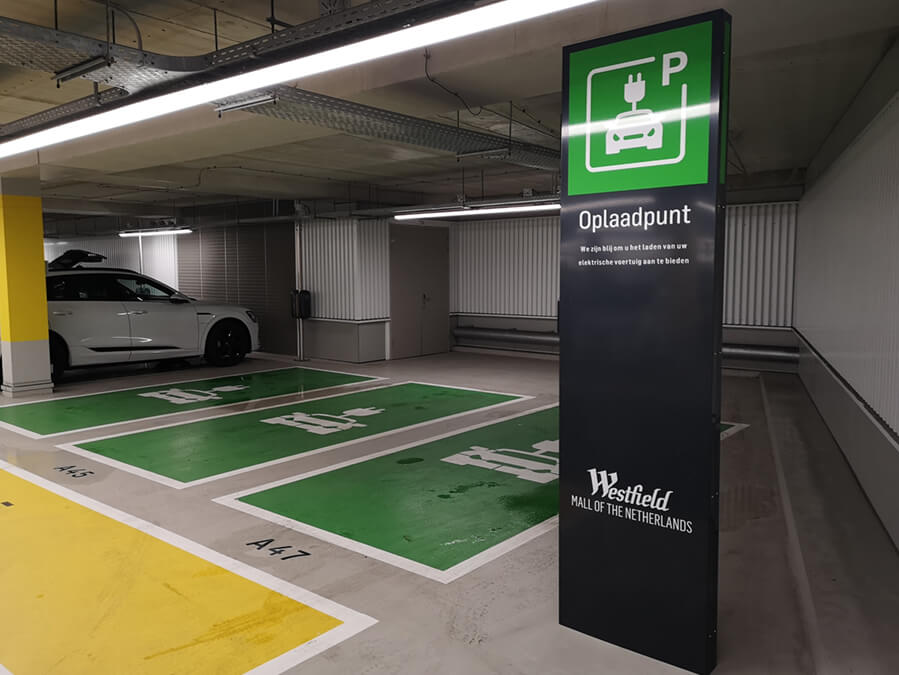 Bewegwijzering voor parkeergarage grootste shoppingcenter van Nederland